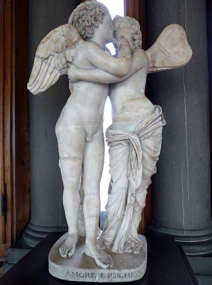 Копия скульптуры Амур и Психея
